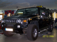 taxi boesel f hrt auf hummer ab. Black Bedroom Furniture Sets. Home Design Ideas